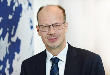 Stefan Warbek